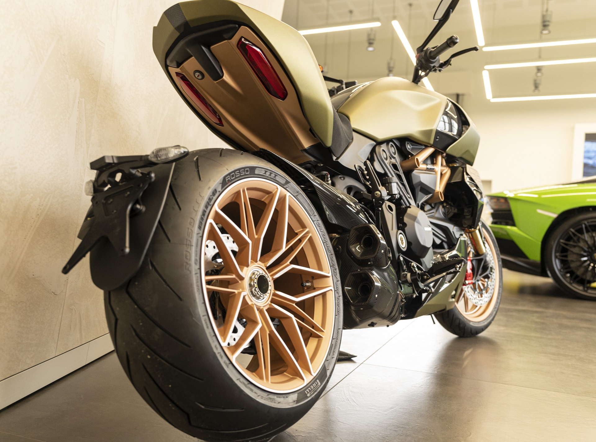 Lamborghini Ducati Diavel 1260 arriere